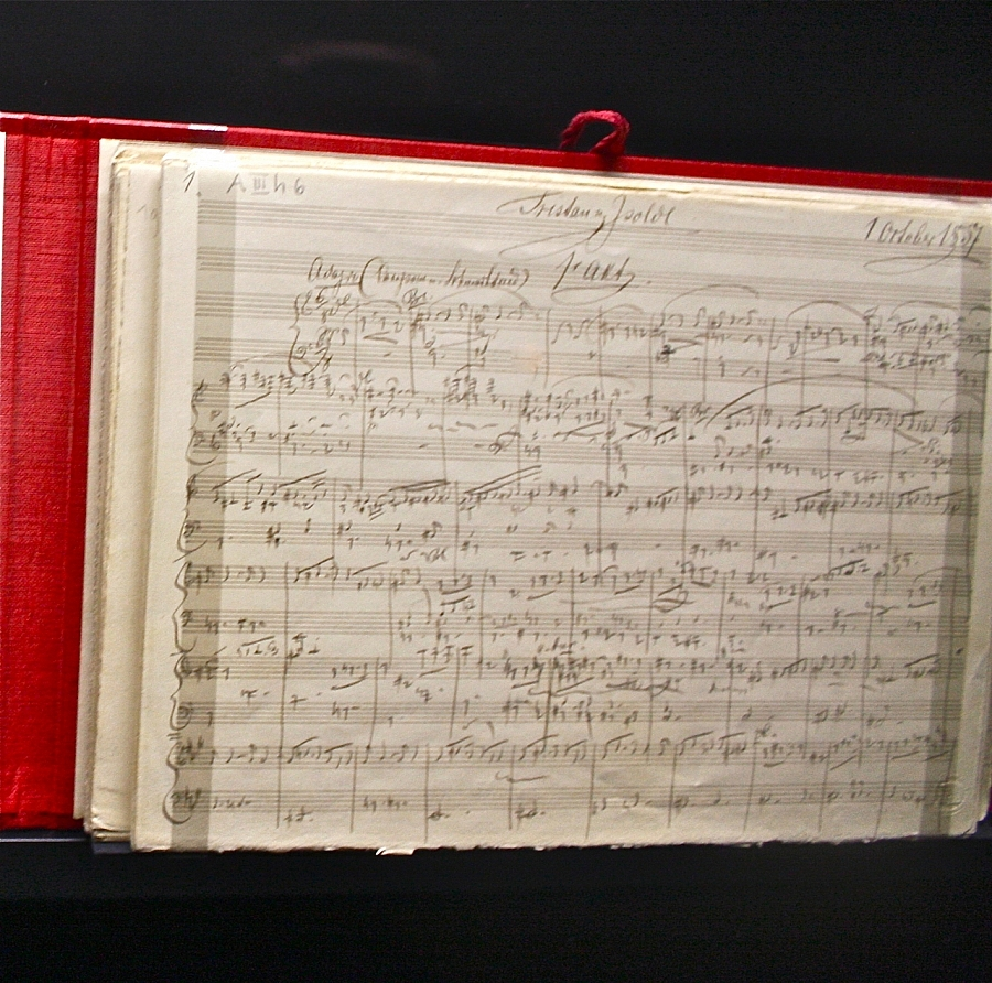 The handwritten opening page of Tristan und Isolde photo: Albert Ehrnrooth