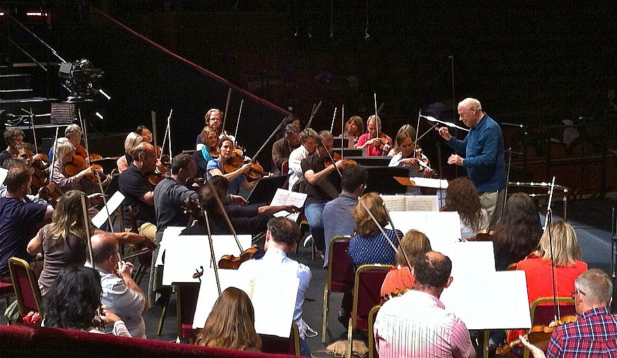 Chamber orchestra of europe albert ehrnrooth for Chamber orchestra of europe