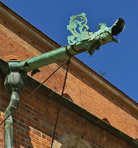 14 rainwater drainage dragon